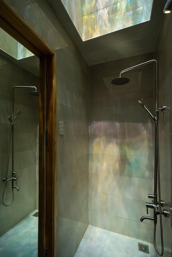 phòng tắm less house