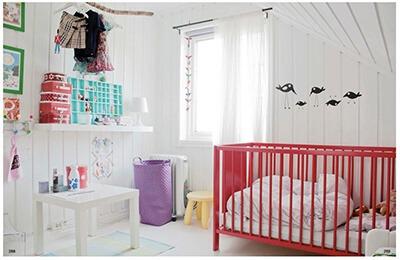 phòng bé gái đầy màu sắc