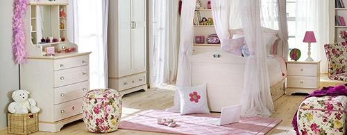 phòng ngủ cổ điển cho bé gái