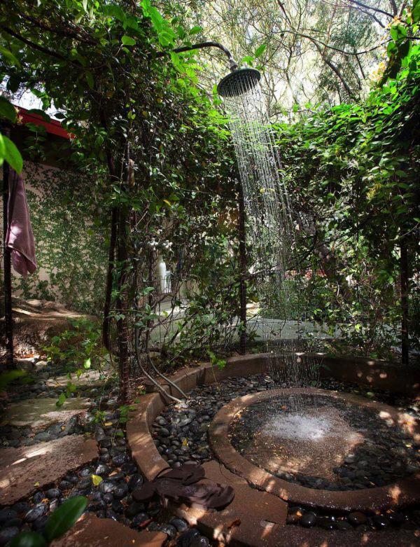 """Hòa mình vào thiên nhiên với không gian phòng tắm """"Lộ Thiên"""" 6"""