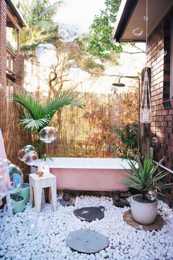 """Hòa mình vào thiên nhiên với không gian phòng tắm """"Lộ Thiên"""" 2"""