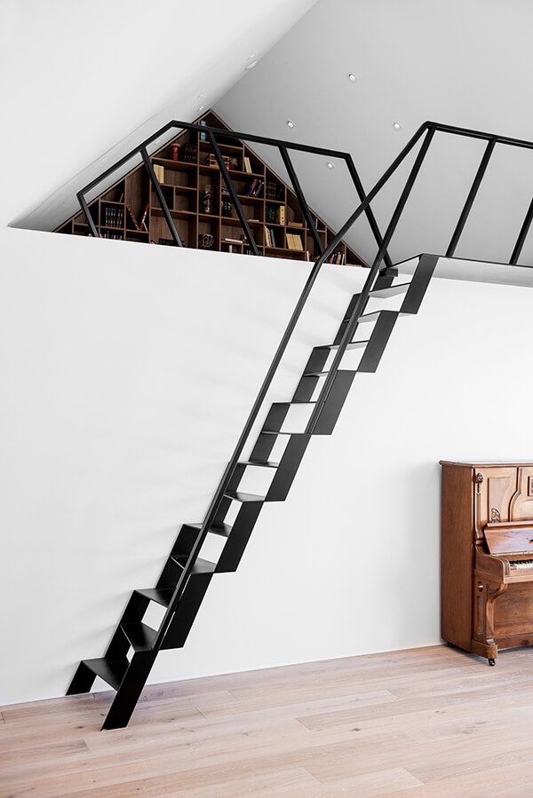 Cầu thang đơn giản