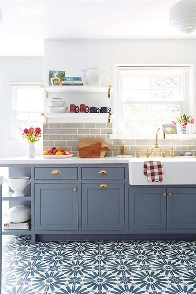 màu sắc, kích thước tủ bếp cũng là một trong những yếu tố phong thủy trong phòng bếp