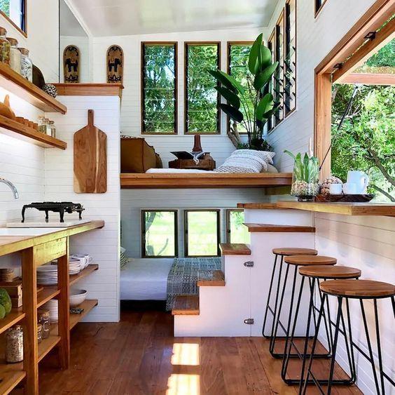 Nhà nhỏ rộng hơn với thiết kế gác lửng sáng tạo
