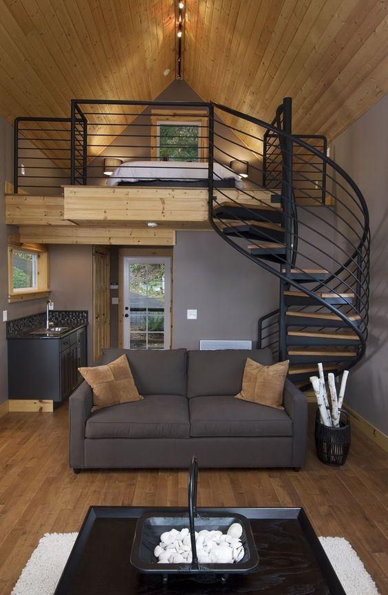 Cầu thang xoán với gác lửng áp mái