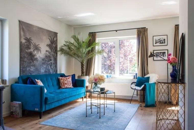 ghế sofa màu xanh nổi bật