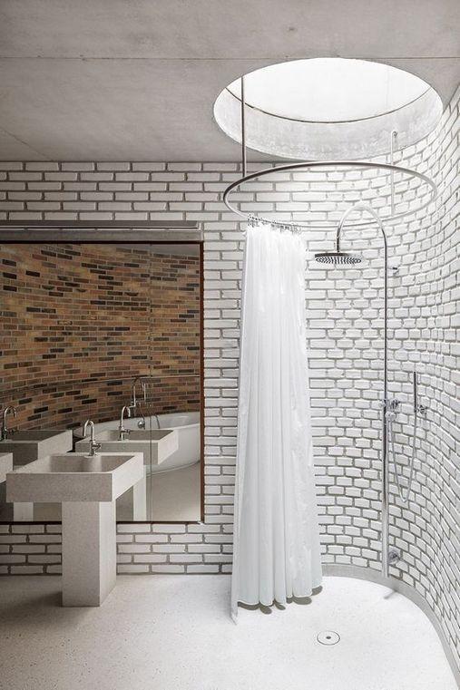 Mẫu giếng trời trong phòng tắm