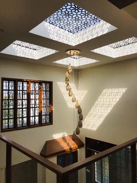 Thiết kế giếng trời gần cầu thang