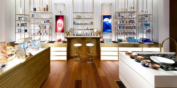 Tư vấn thiết kế shop mỹ phẩm đẹp gây ấn tượng mạnh 33